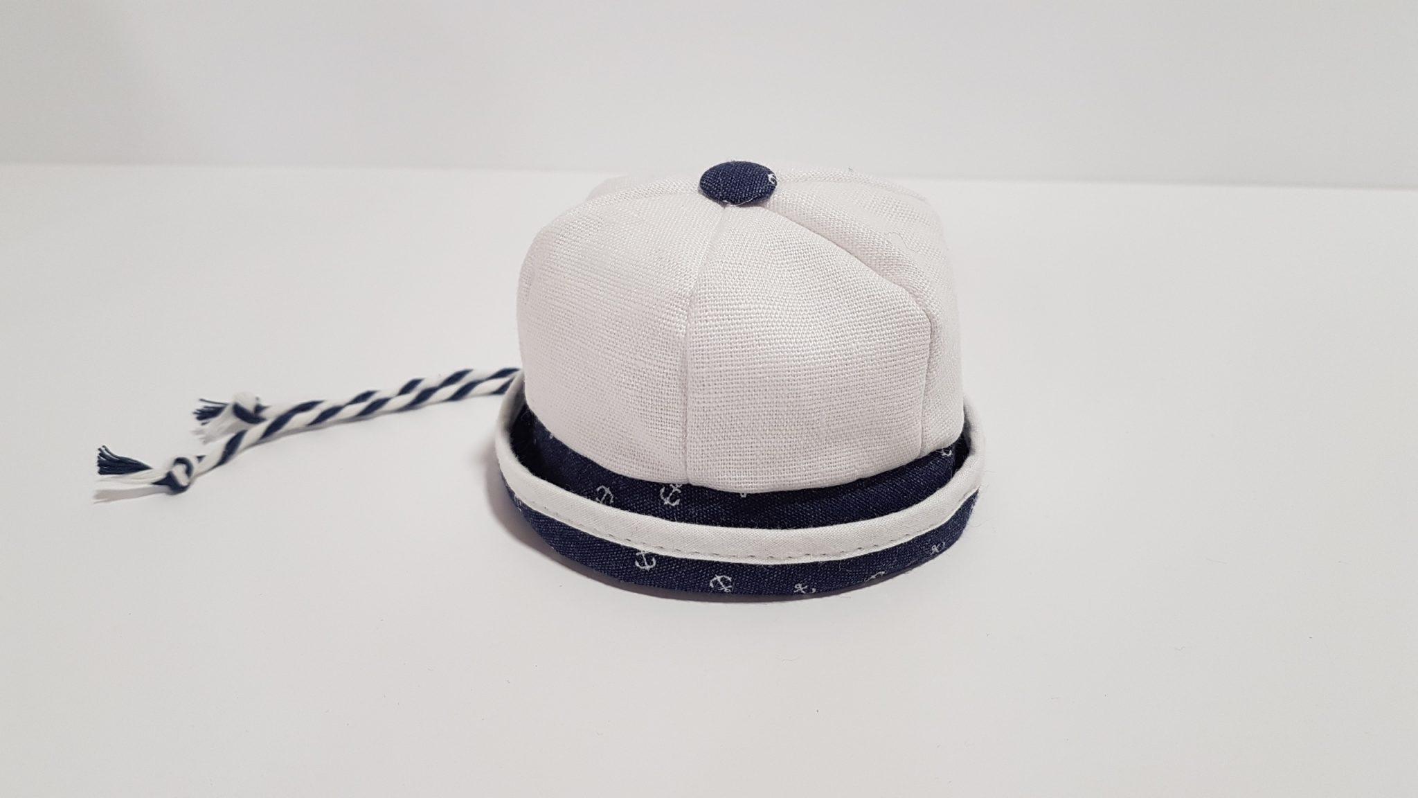 Μπομπονιέρα καπελάκι navy δίχρωμο.