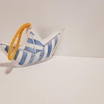 Υφασμάτινη μπομπονιέρα βάπτισης φουσκωτό σε σχήμα καραβάκι