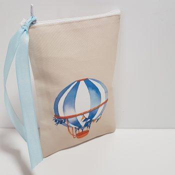 Κασετίνα όρθια με αερόστατο απλικέ.