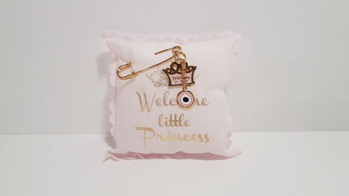 Μαξιλαράκι ροζ Welcome little Princess με παραμάνα χρυσή.