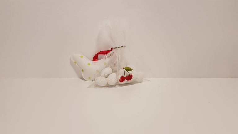 Πουγκί δίχτυ μπομπονιέρα με κερασάκια .