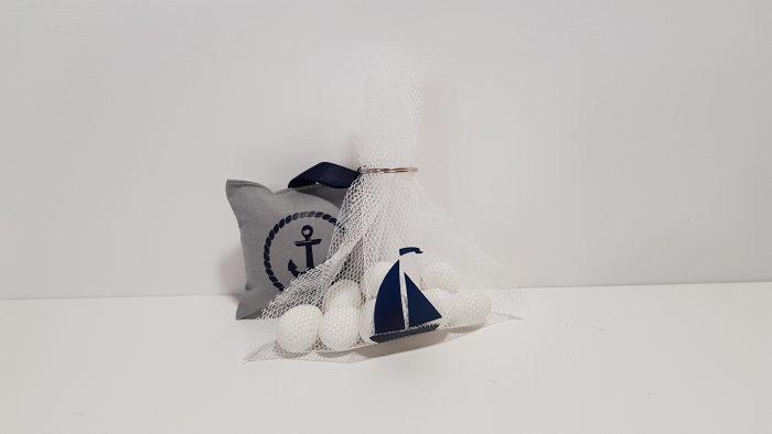 Πουγκί δίχτυ μπομπονιέρα με καραβάκι.